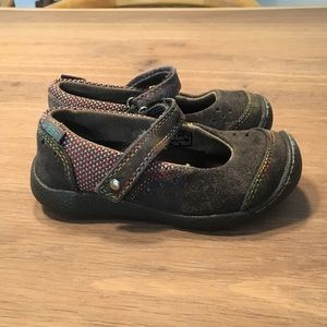 GUC Keen shoes Toddler size 9